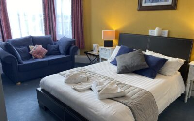Large Double Room with Sofa